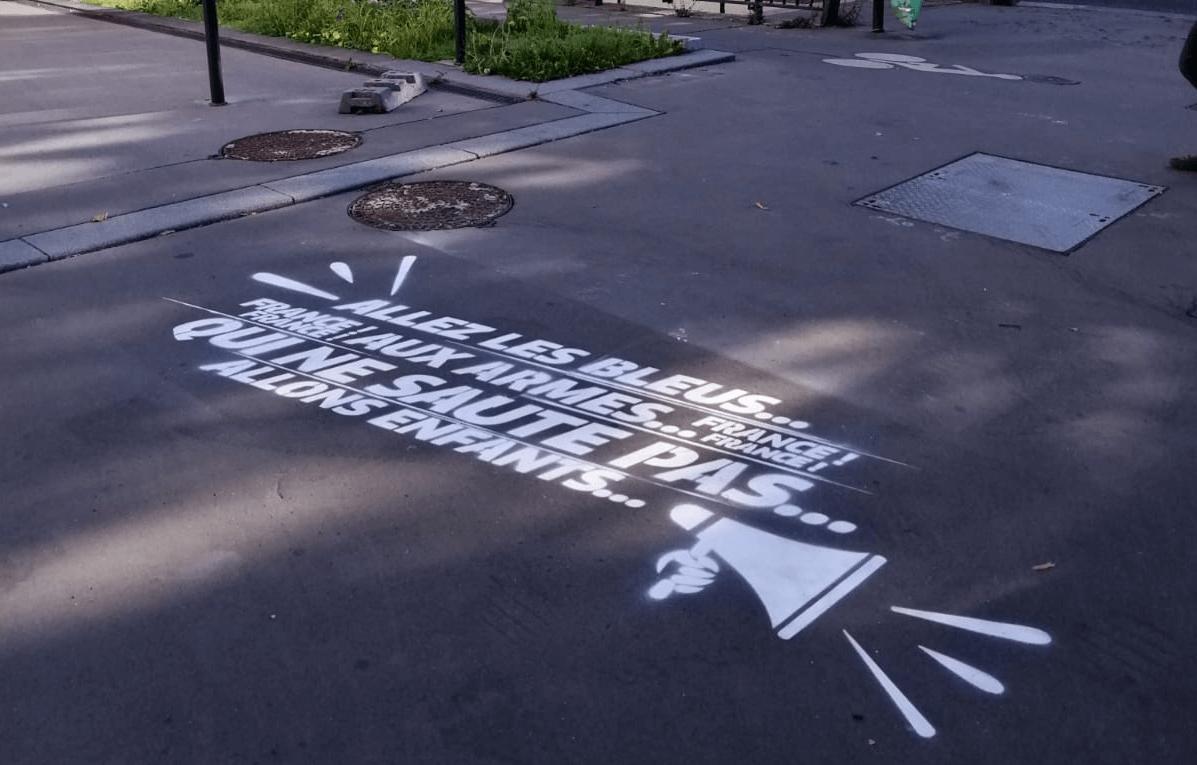Le marquage au sol publicitaire: une technique de street marketing qui séduit de plus en plus d'enseignes
